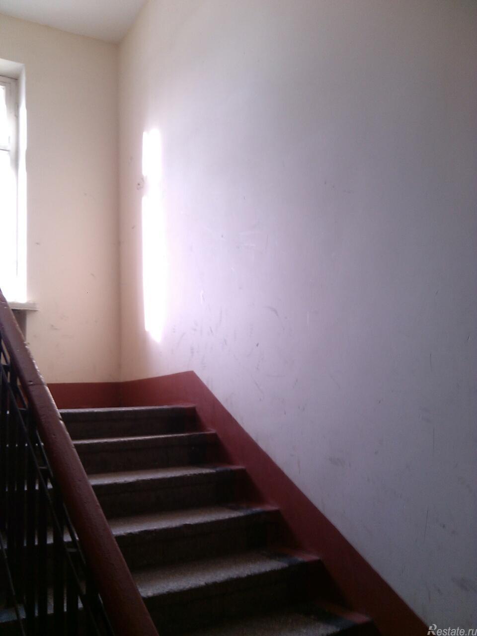 Продать Комнаты в квартирах Санкт-Петербург,  Красногвардейский,  Новочеркасская, Пугачева ул