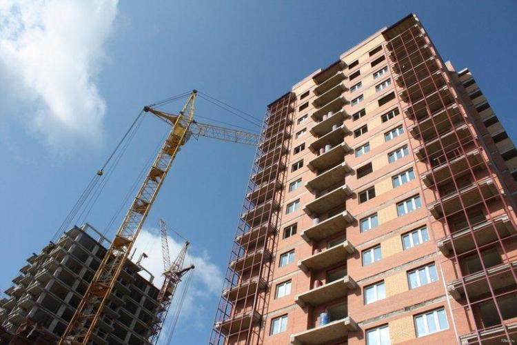 Группа ЛСР догоняет ГК ПИК в общероссийском рейтинге застройщиков по объему текущего строительства