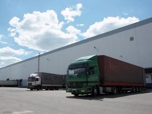 Дефицит складов характерен и для Петербурга