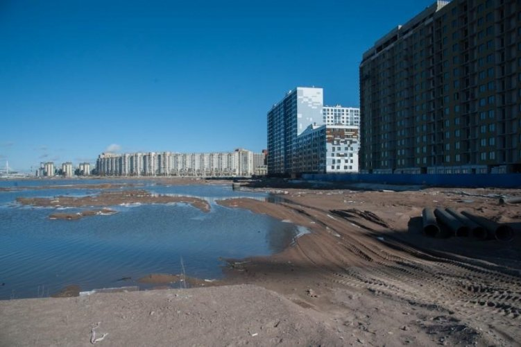 Строительство дорог на намывных территориях Васильевского острова начнется не раньше осени 2019 года