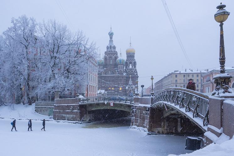 С третьего квартала 2016 года по третий квартал 2017-го жилье в Москве подешевело, в Петербурге – увеличилось в цене