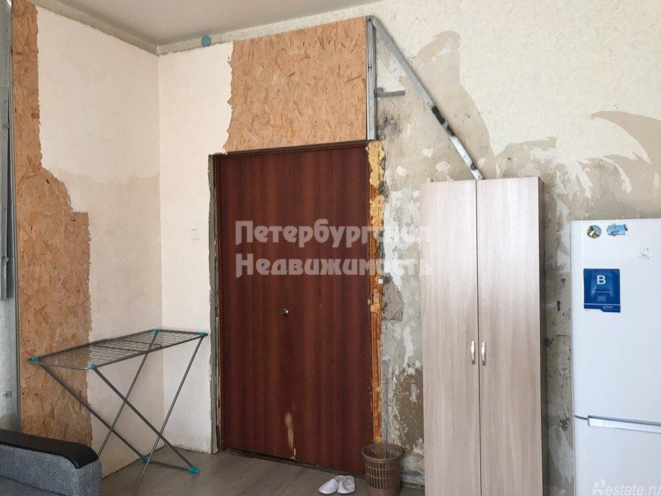 Продать Комнаты в квартирах Санкт-Петербург,  Невский,  Елизаровская, Ткачей ул.