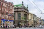В первом полугодии в петербургском сегменте стрит-ритейла отмечен рост спроса на аренду и покупку помещений