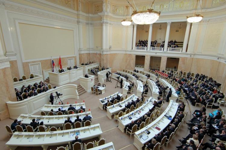 ЗАКС одобрил чиновничий «эскорт» для всех инвестиционных проектов в Петербурге