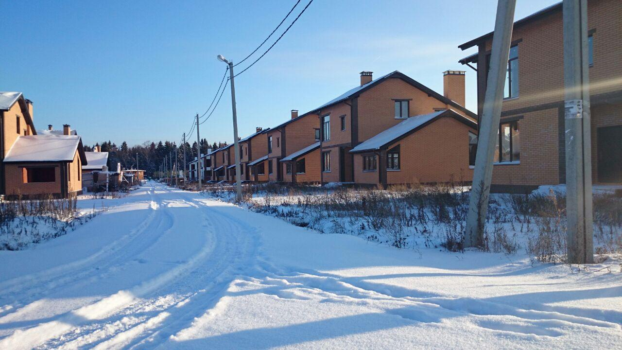 Фото коттеджного поселка Истра Вилладж Пятница от Мастер Девелопмент. Коттеджный поселок Istra Villadzh Pyatnitsa