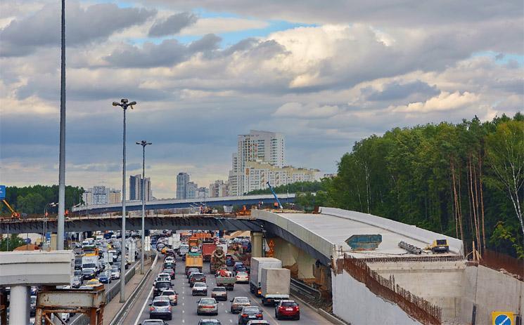 Правительство Москвы одобрило бюджет на 2018 год, в который внесены расходы на программу реновации – 400 млрд рублей