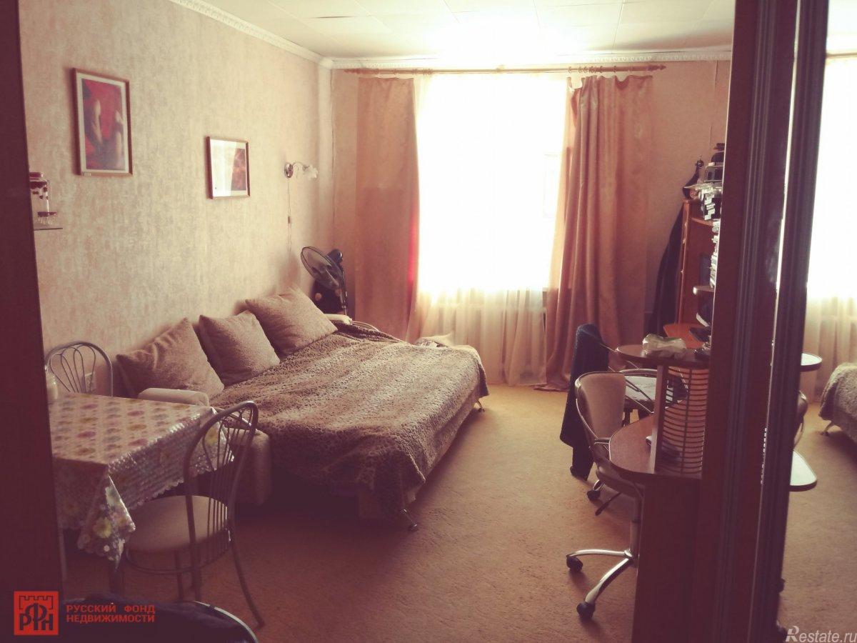 Продать Комнаты в квартирах Санкт-Петербург,  Кронштадтский, Кронштадт г., Ленина пр.