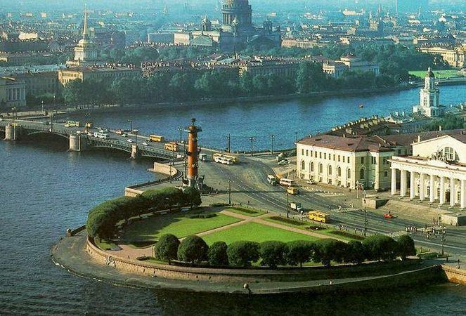 Эксперты: Петербургу нужно избавиться от архитектурного мусора