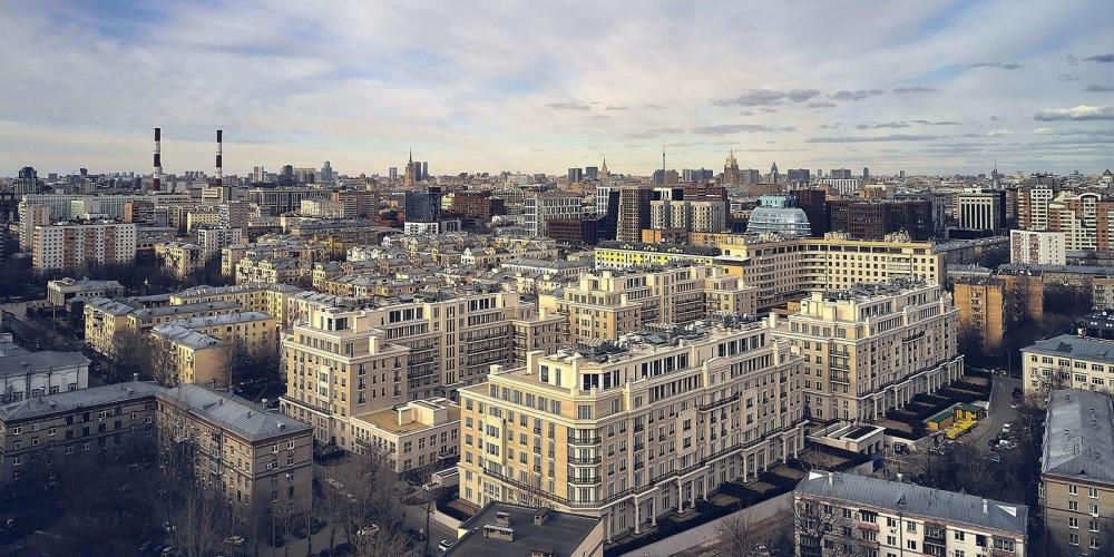 Москва и Петербург подвинулись в рейтинге роста цен на жилье. В разные стороны