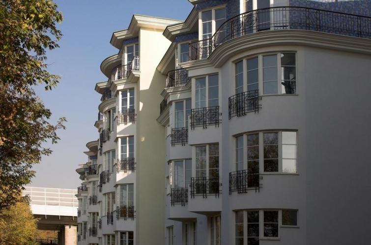 Средняя цена аренды в топовой десятке районов Москвы в два раза дороже средней ставки по городу