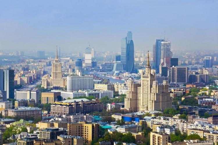 В Москве объем предложения коммерческой недвижимости в аренду сократился в январе почти на четверть