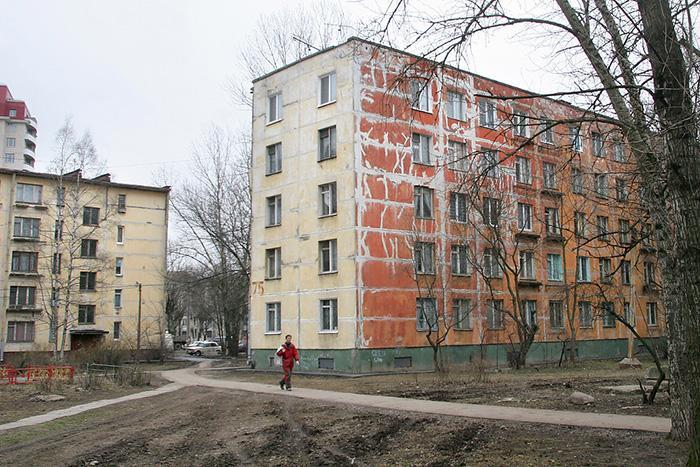 Петербургское ЗакСобрание рассмотрит законопроект, который упростит для застройщиков реновацию хрущевских кварталов