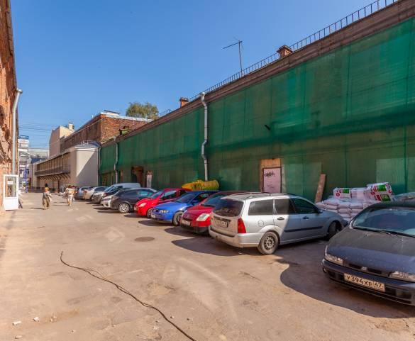 Петербург продает аварийное здание на Гороховой за 98 млн