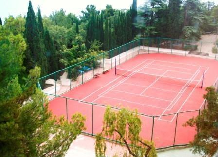 Теннисный корт в парке Есенина строить не будут