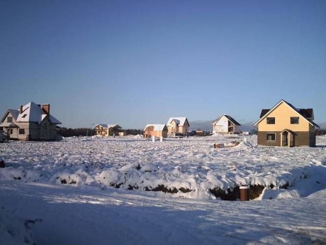 Почти половина проектов коттеджных поселков вокруг Петербурга заморожена из-за отсутствия продаж