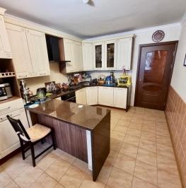 Продажа 2-комн квартиры на вторичном рынке Смоленская ул ,  д. 11,  к. 2