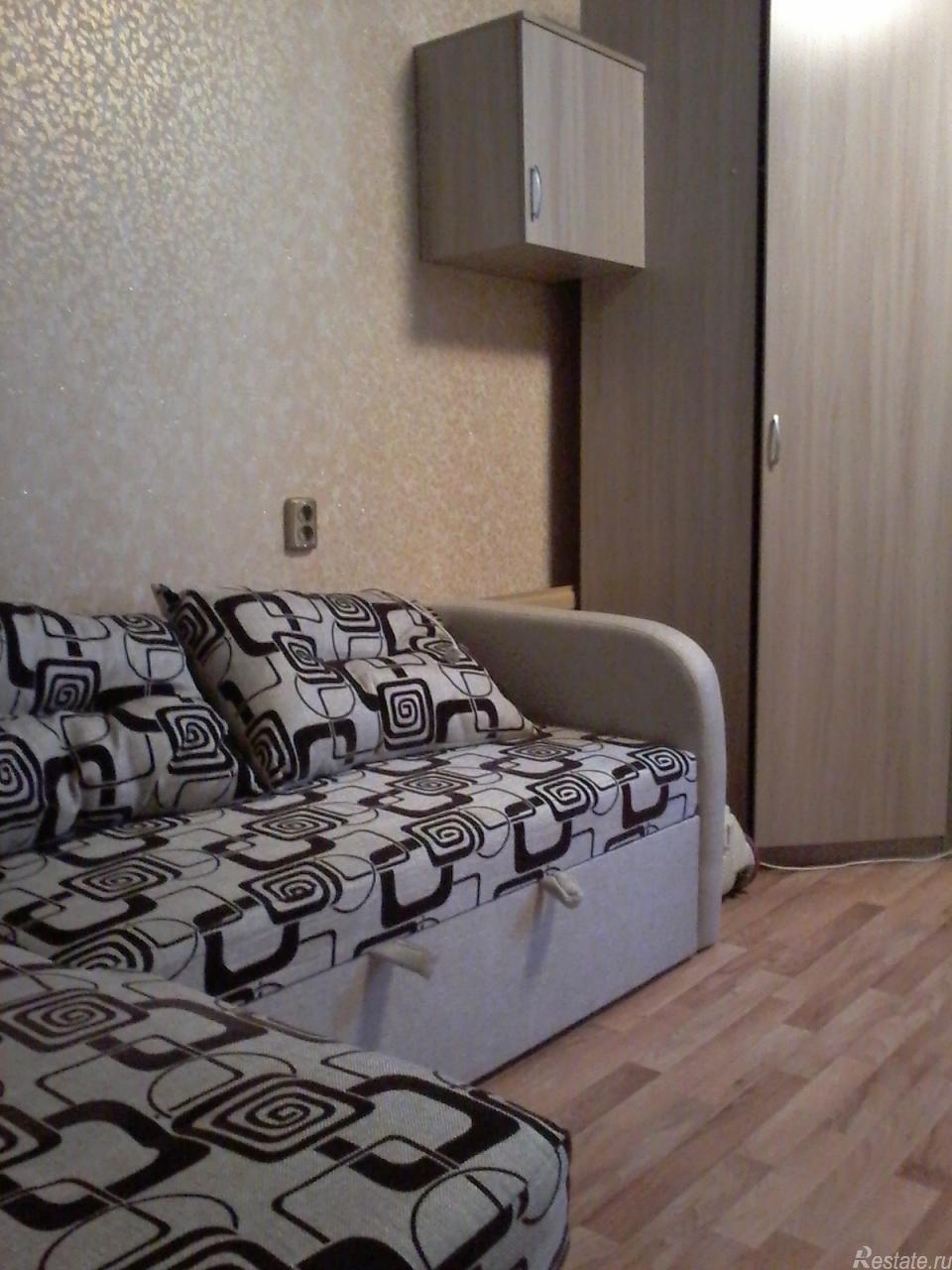 Сдать в аренду Комнаты в квартирах Санкт-Петербург,  Калининский,  Академическая, Карпинского ул.