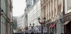 На главных торговых улицах Москвы становится все больше пустующих помещений