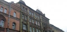 В Петербурге за изменение фасадов здания и умолчание об этом накажут рублем