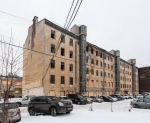 Фонд имущества Петербурга начал прием заявок на торги по продаже единым лотом квартир в аварийном здании в Московском районе