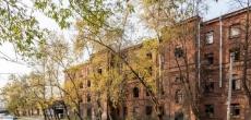 Петербург продаст аварийный жилой дом с семикомнатными квартирами