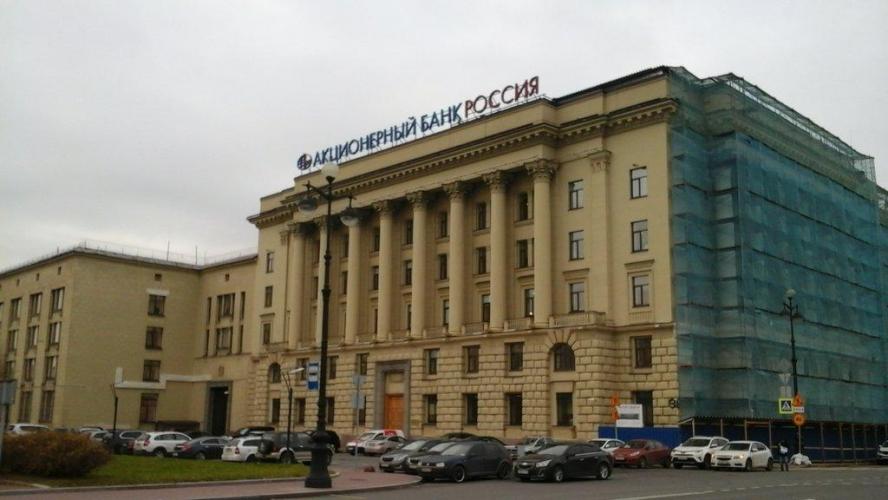 Правительство Ленобласти временно переезжает в здание АБ «Россия» на площади Растрелли, 2