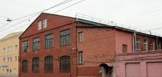 Застройщик получил разрешение на уже идущую, и не без ЧП, реконструкцию здания на Васильевском острове