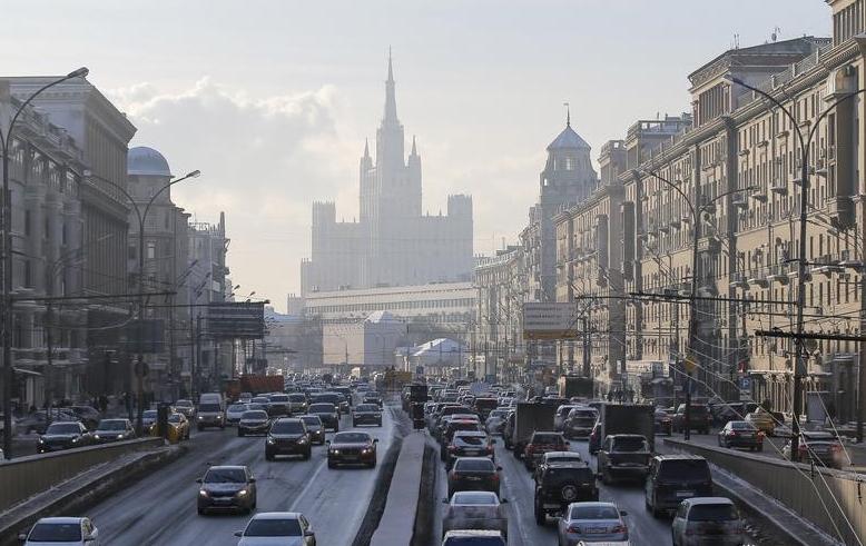 Средняя стоимость жилья на вторичном рынке Москвы в марте выросла и в рублях, и в долларах
