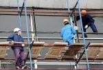 Примерно треть граждан, которые ищут работу в сфере строительства и недвижимости, готовы уехать из Москвы и Петербурга в другие регионы