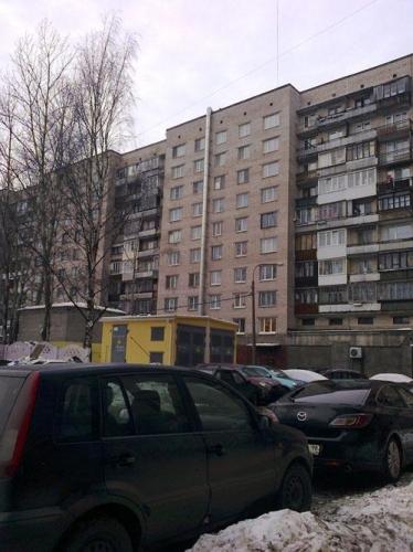 Жилой дом на пр. Славы пошел трещинами из-за незаконных перепланировок