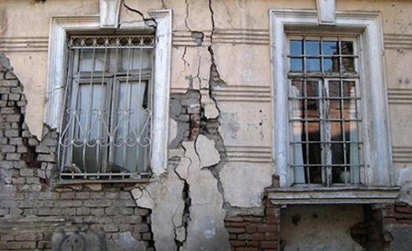 Объем аварийного жилья в России увеличивается: до 2035 года предстоит расселить 100 млн кв. м