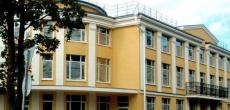 Петергоф: жилье среди дворцов и фонтанов