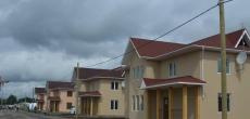 «Дальпитерстрой» в рамках благотворительного проекта «Ольгинские приюты» передаст семьям с приемными детьми еще четыре коттеджа в Парголово