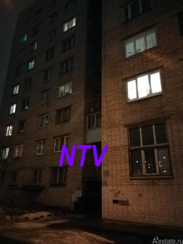 Продать Комнаты в квартирах Санкт-Петербург,  Невский,  Большевиков пр., Искровский пр-кт