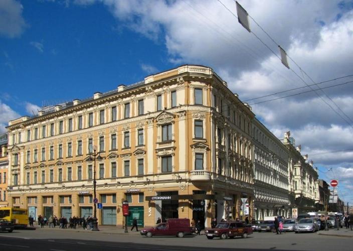 Компания Stockmann уходит из России, но бренд остается