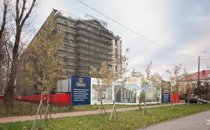 Группа ЛСР сдает в эксплуатацию ЖК премиум-класса «Verona» на Крестовском острове с необлицованными фасадами