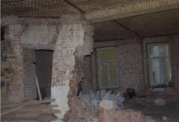 Компания-проектировщик рухнувшей школы в Мурино надзирала за ремонтом на Каменноостровском, где пострадал дом