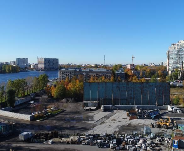 Участок на Октябрьской набережной продают с торгов под жилую застройку