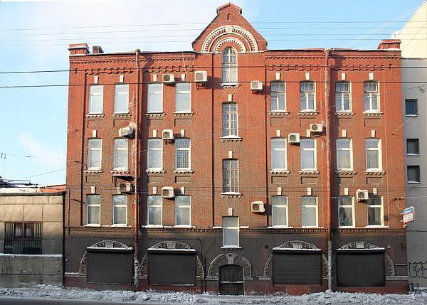 В Невском районе продают под застройку с уплотнением участок старинного завода
