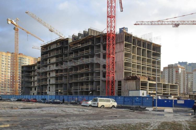 В дорожную карту по завершению проблемных объектов Петербурга внесен 21 жилой дом или комплекс