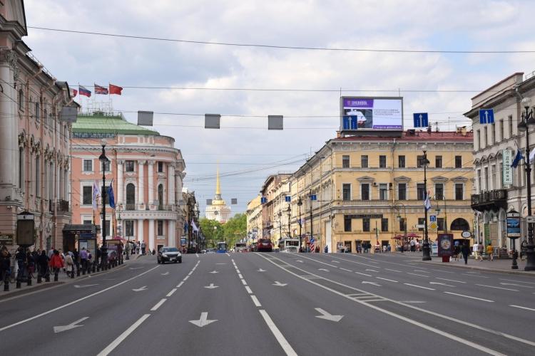 Рестораторы осторожно возвращаются на Невский: новые рестораны и кафе компактнее прежних