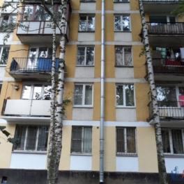 Продажа 2-комн. квартиры на вторичном рынке Кубинская ул. ,  д. 52