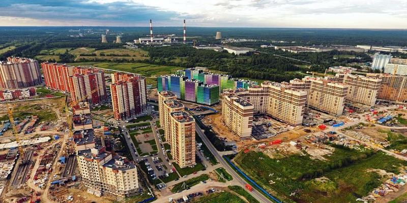 Спрос на новостройки возвращается из Ленобласти в Петербург