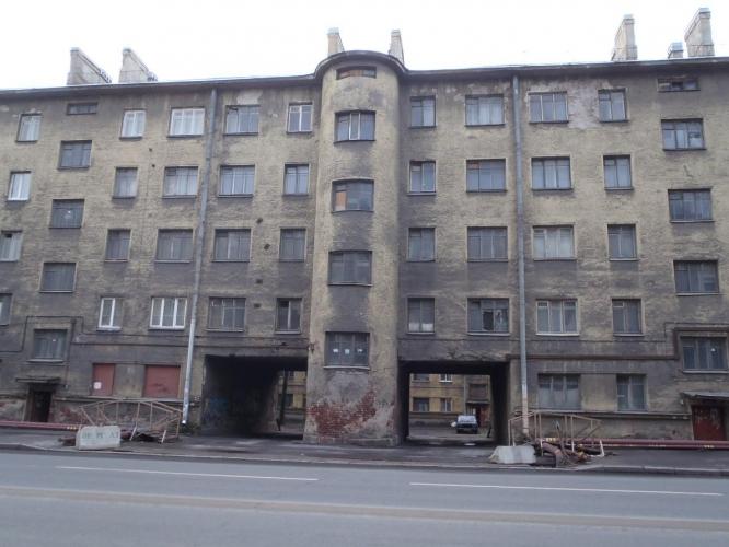 В Петербурге отреставрируют пять жилых домов и отдадут их молодежи