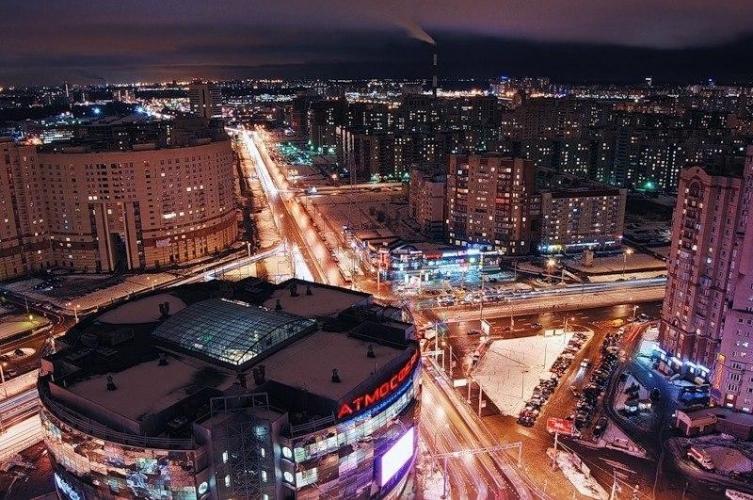 В течение 2016 года квадратный метр вторичного рынка жилья Петербурга потерял в цене 2,12%, Москвы – 7,8%