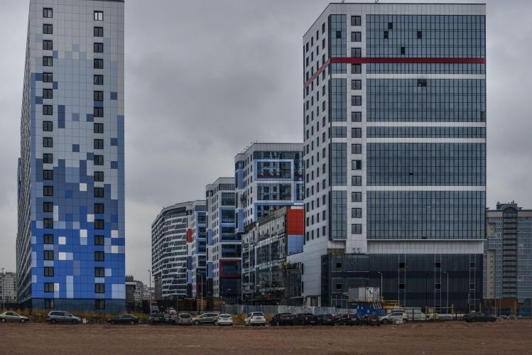 СМИ: Seven Suns Development продает первый на намыве торговый комплекс