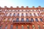 Средняя цена предложения квартиры в элитной московской новостройке с начала года снизилась на 18% и составила 87,3 млн рублей