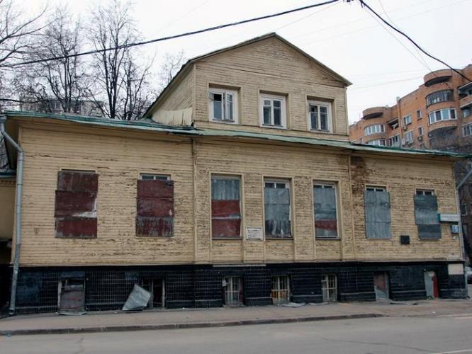 На Елоховском проезде началась реставрация образца деревянной допожарной архитектуры Москвы