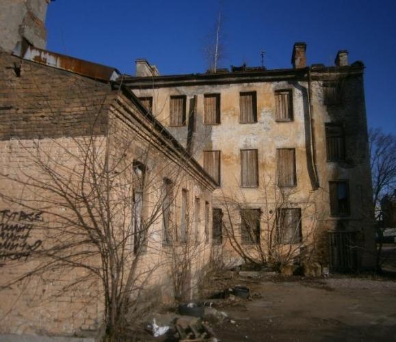 Смольный согласился с доводами градозащитников – необходимо сохранять бесхозные расселенные здания