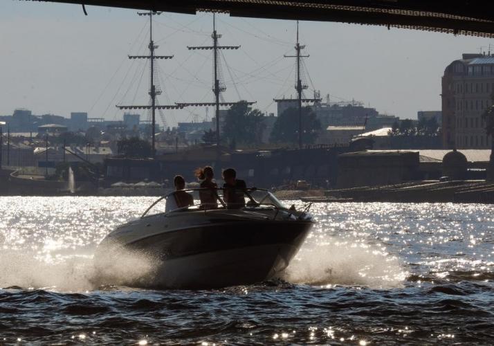 Крестовский остров и Петроградскую сторону соединят водной маршруткой